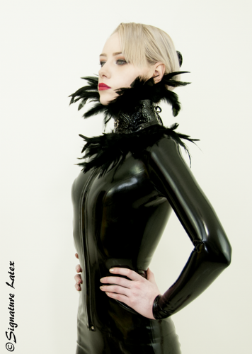 Latex lace feather collar